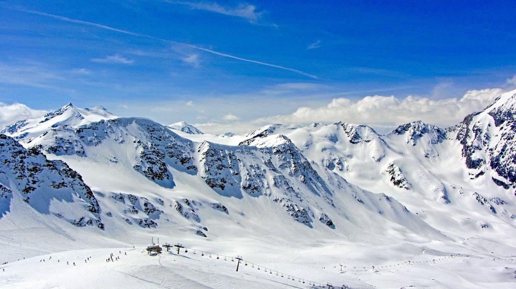urlaubsbox-schnee-tirol-weihnachtsurlaub